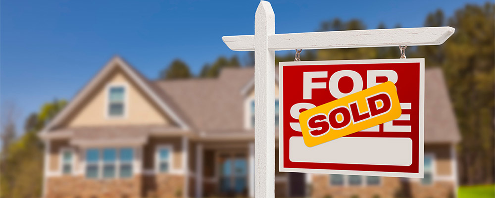 Home sold sign | Existing Home Sales Bounce Back After Four Months of Decline