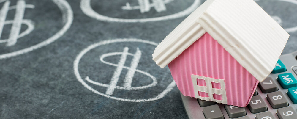 House on chalkboard | Mortgage Activity Picked Up in July, Led by Refinances
