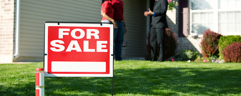 For sale sign | Existing Home Sales Fall for Third Straight Month
