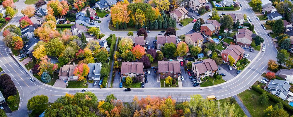 Suburban houses | Homebuilders Shift Focus to Suburbs and Beyond
